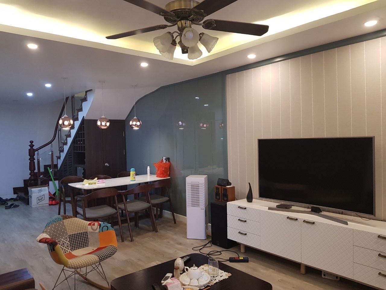 Hoàn thiện phòng khách chung cư Ecohome
