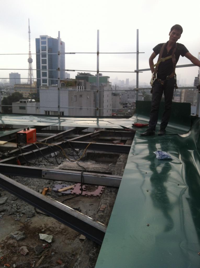 Thi công mái nhà