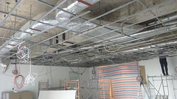 thi công trần và hệ thống điện