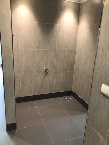 Ốp lát khu vệ sinh phòng giám đốc
