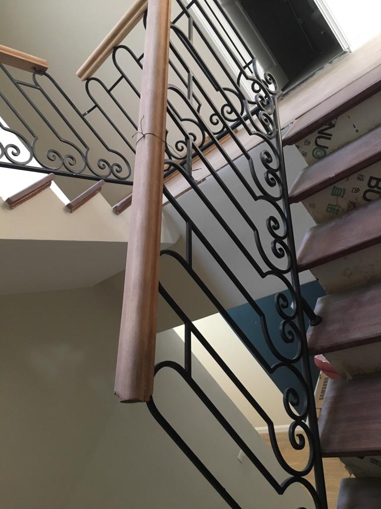 Cầu thang thay đổi theo hướng kết hợp cổ điển hiện đại