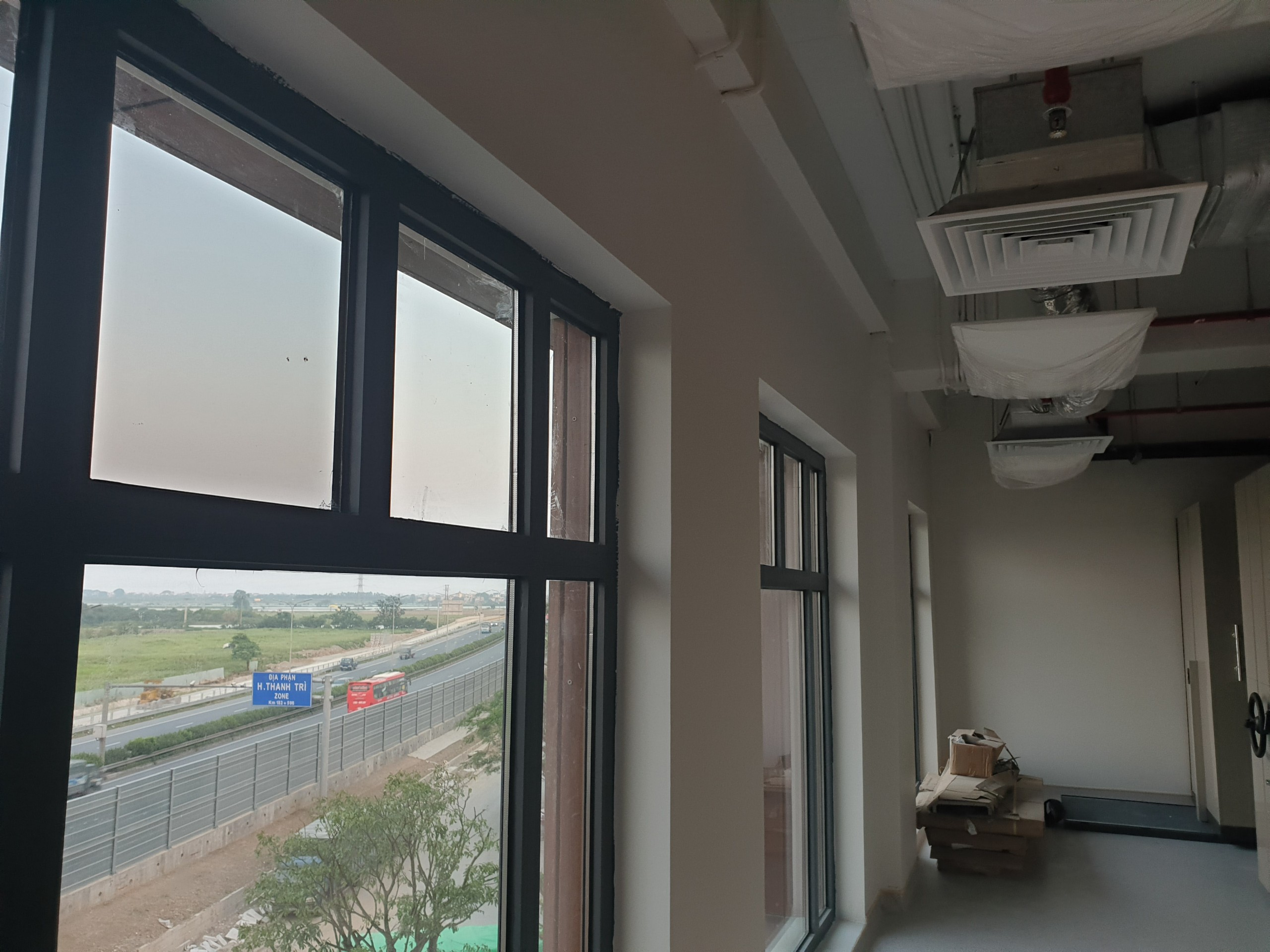 Hệ thống điều hòa trung tâm âm trần ống gió dùng cho văn phòng