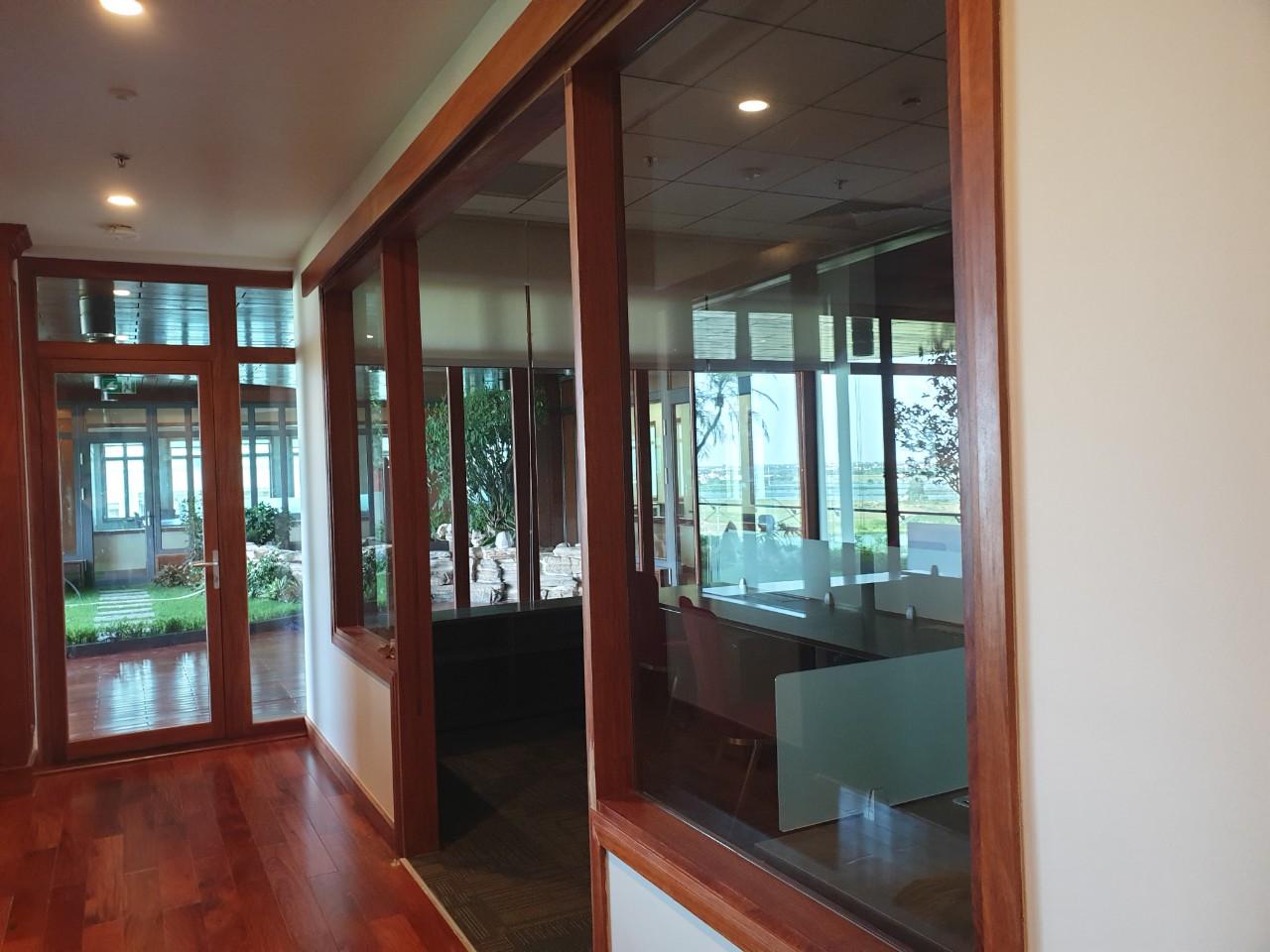 Hoàn thiện văn phòng theo phong cách đặc thù của công ty sản xuất gỗ