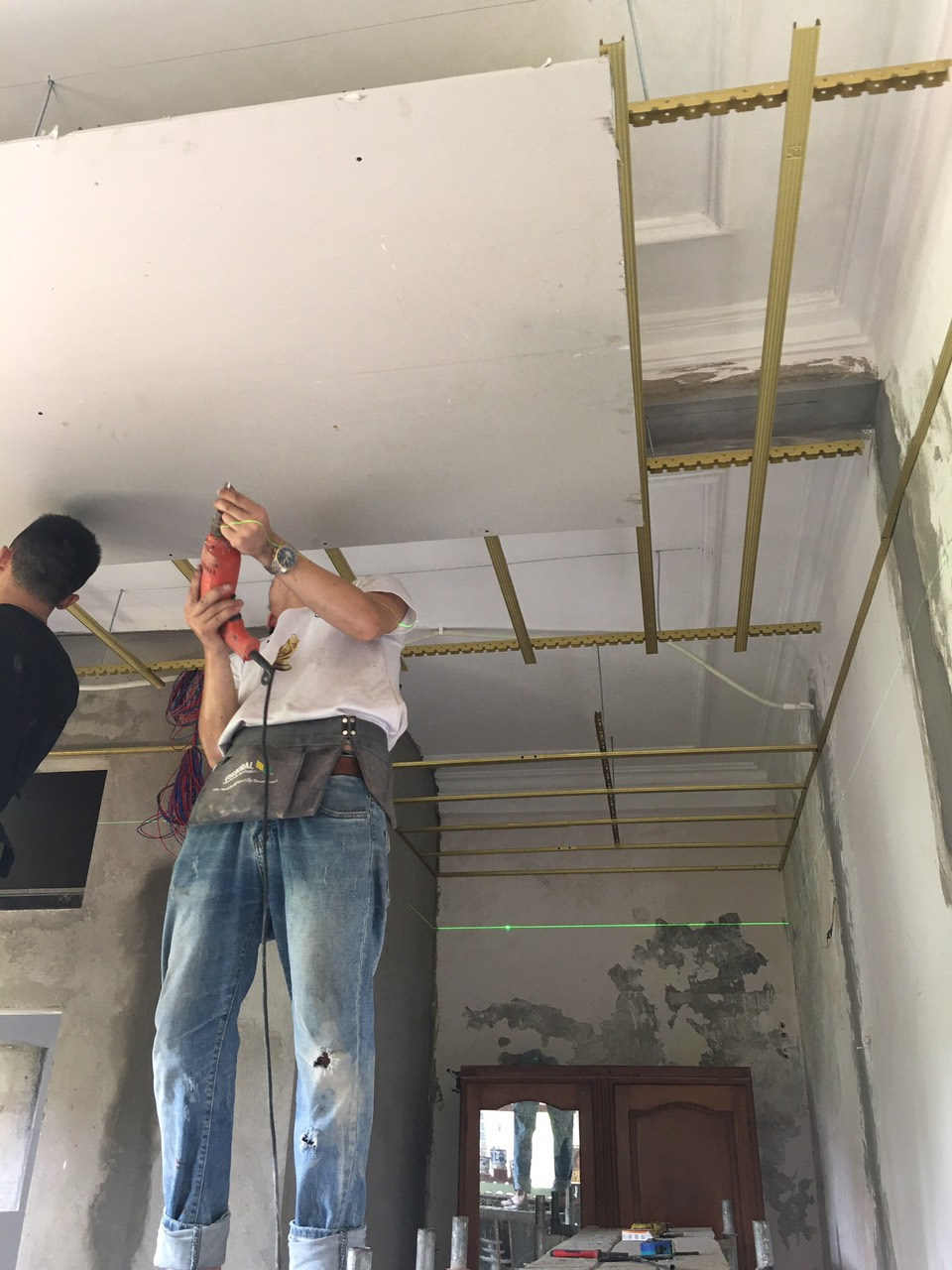 Làm trần thạch cao cho văn phòng