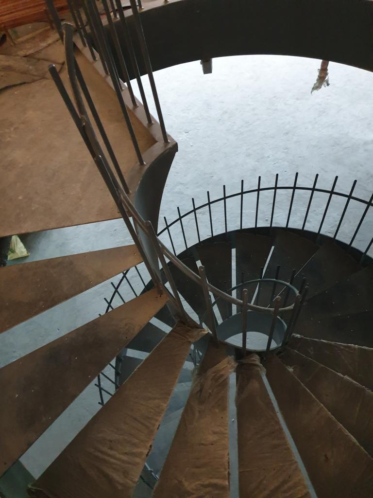 Sửa chữa thi công cầu thang cho văn phòng tại Hà Nội