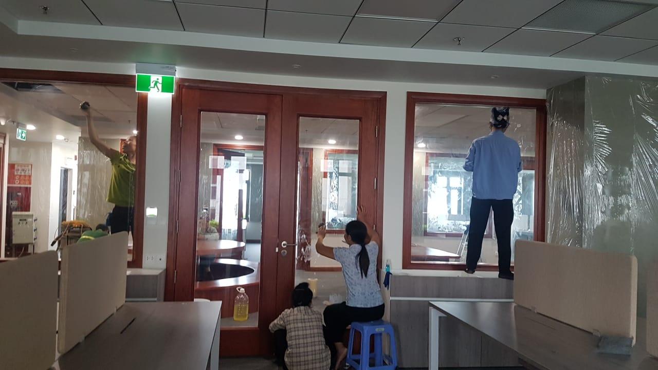 Sửa chữa văn phòng Hà Nội cần lưu ý công tác vệ sinh lau chùi hàng ngày