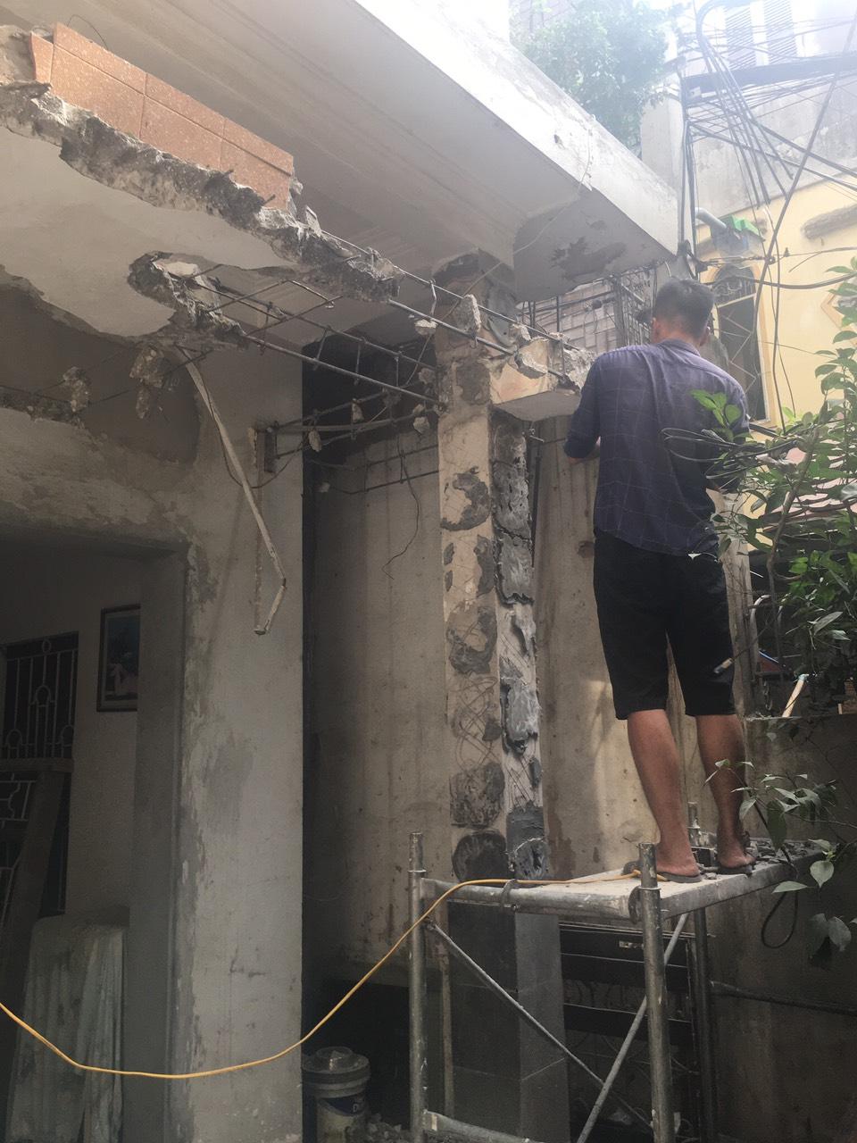 Thay đổi kết cấu mặt trước nhà