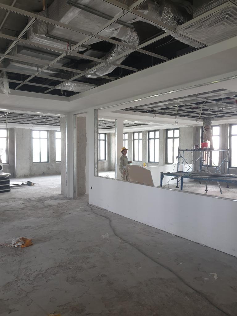 Thi công thạch cao văn phòng công ty tại tầng 2