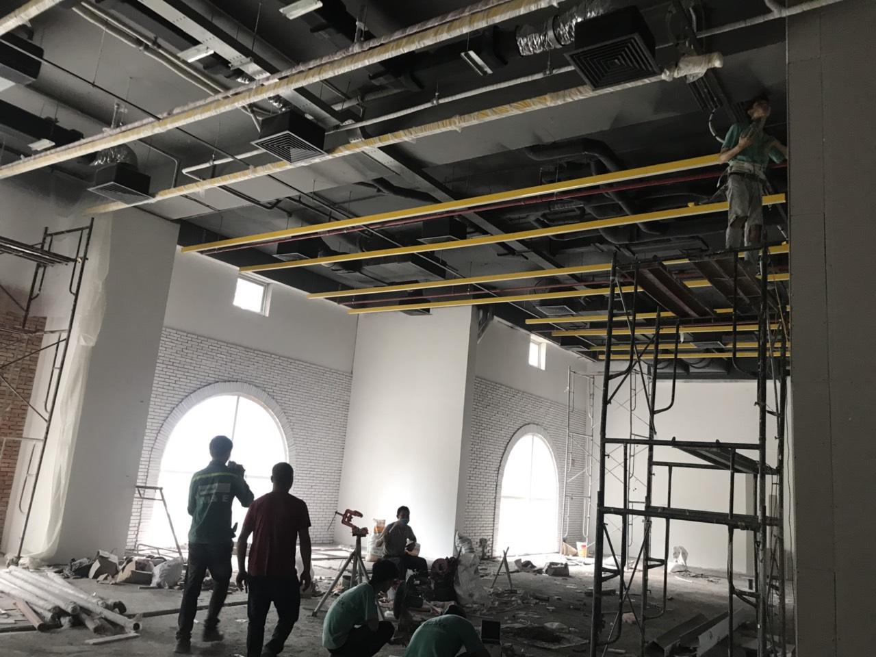 24. Đèn trần tầng 2 khu A