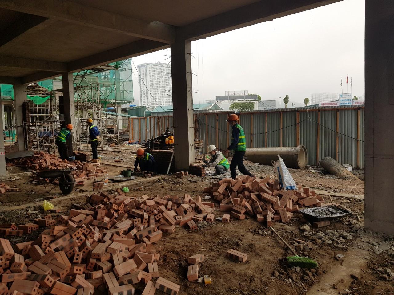 Công tác xây tường tầng 1 H14